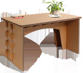 Funktionstüchtiger Schreibtisch aus Karton